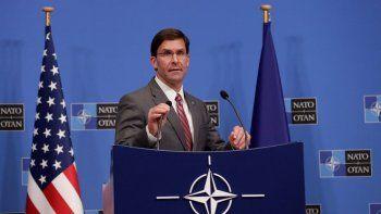 El secretario de Defensa estadounidense en funciones,MarkEsper, da una rueda de prensa en el ámbito de la reunión de los ministros de Defensa de la OTAN en Bruselas (Bélgica) este jueves.