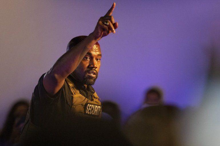 Kanye West hace su primera aparición en la campaña presidencial