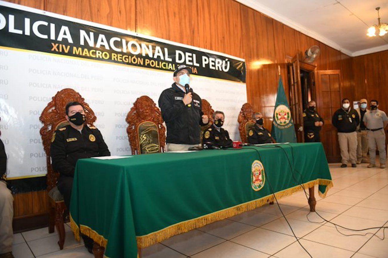 El Ministro del Interior, Juan Carrasco, brinda declaraciones sobre megaoperativo, donde la Policía yla Fiscalía de Perúcapturaron a miembros de organización criminal dedicada al tráfico de migrantes.