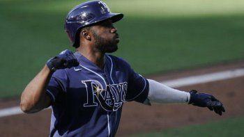 El héroe de los playoffs de los Rays de Tampa Bay en las Grandes Ligas de béisbol, el cubano Randy Arozarena, fue arrestado por presunta violencia doméstica en México