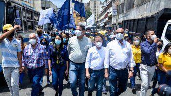 Diputados de la Asamblea Nacional (AN) legítima de Venezuela recorrieron la ciudad de Los Teques, en el estado Miranda, una de las más afectadas en el país por la pandemia del COVID-19.