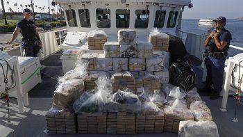 Cargamento de cocaína confiscado en altamar por la Guardia Costera, fotografiado en Los Ángeles el 29 de agosto del 2019. Cada vez se registran más muertes por sobredosis de cocaína y metanfetaminas en EEUU. Archivo
