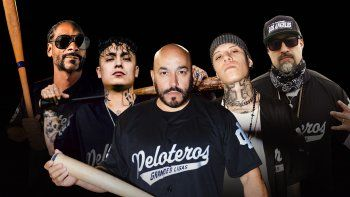 En esta portada proporcionada por Z Records Snoop Dogg, de izquierda a derecha, Aleman, Lupillo Rivera, Santa Fe Klan y B-Real. Su sencillo Grandes Ligas será lanzado el 14 de mayo de 2021.