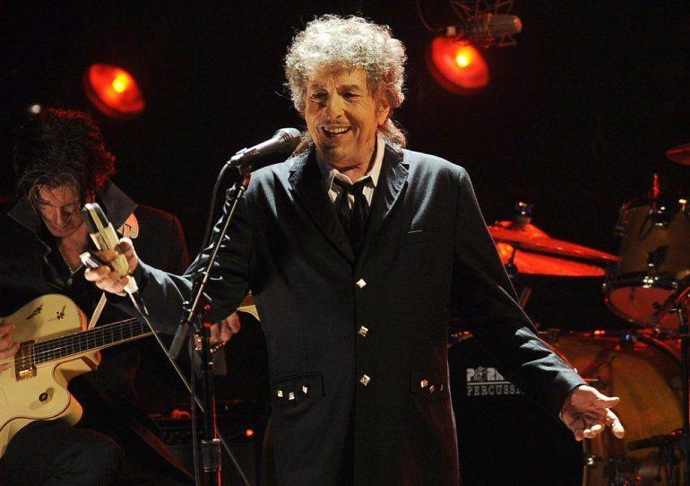 El músico Bob Dylan durante una presentación en Los Angeles el 12 de enero de 2012. Transcripciones de unas reveladoras entrevistas inéditas que Dylan le dio en 1971 al artista de blues Tony Glover se subastarán en Boston en noviembre de 2020.