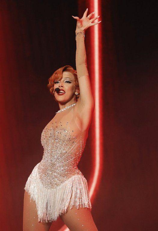 En esta imagen publicada por NBC, Doja Cat se presenta para los Billboard Music Awards el 14 de octubre de 2020 en el Dolby Theatre de Los Ángeles.