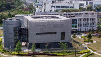 Una vista aérea muestra el laboratorio P4, en el Instituto de Virología en Wuhan, en la provincia central china de Hubei, el 17 de abril de 2020. El laboratorio epidemiológico P4 fue construido con la cooperación de la firma bioindustrial francesa Institut Merieux y la Academia de Ciencias de China (Chinese Academy of Sciences). La instalación se encuentra en medio de otros laboratorios autorizados para manejar patógenos de Clase 4 (P4), virus peligrosos que presentan un alto riesgo de transmisión de persona a persona.