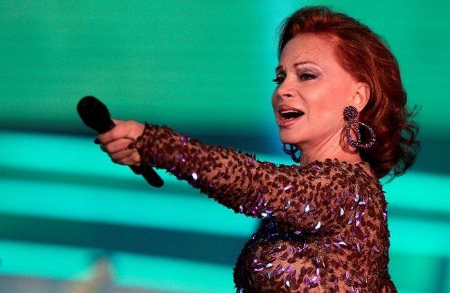 La cantante madrileña Paloma San Basilio que el año 2013 anunciara su gira de despedida regresa a los escenarios para presentarse el sábado 13 de febrero en el Miami Dade County Auditorium