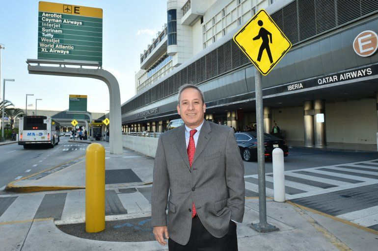 Lester Sola lleva las riendas del departamento condal de Aviación