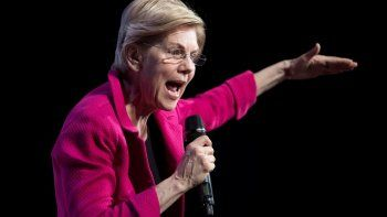 La senadora Elizabeth Warren es aspirante a la nominación demócrata y dijo que visitaría un centro de detención de inmigrantes antes de participar en el debate.