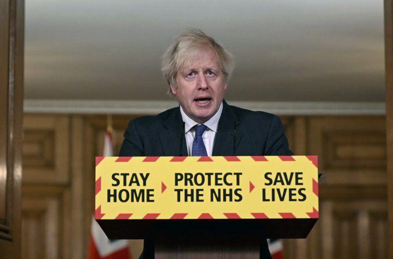 El primer ministro británico Boris Johnson habla el viernes 22 de enero de 2021 en una conferencia de prensa sobre el coronavirus