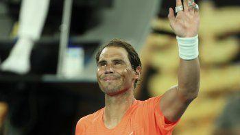El español Rafael Nadal celebra después de la victoria contra Michael Mmoh de los EE. UU. Durante su partido individual masculino en el cuarto día del torneo de tenis del Abierto de Australia en Melbourne el 11 de febrero de 2021.