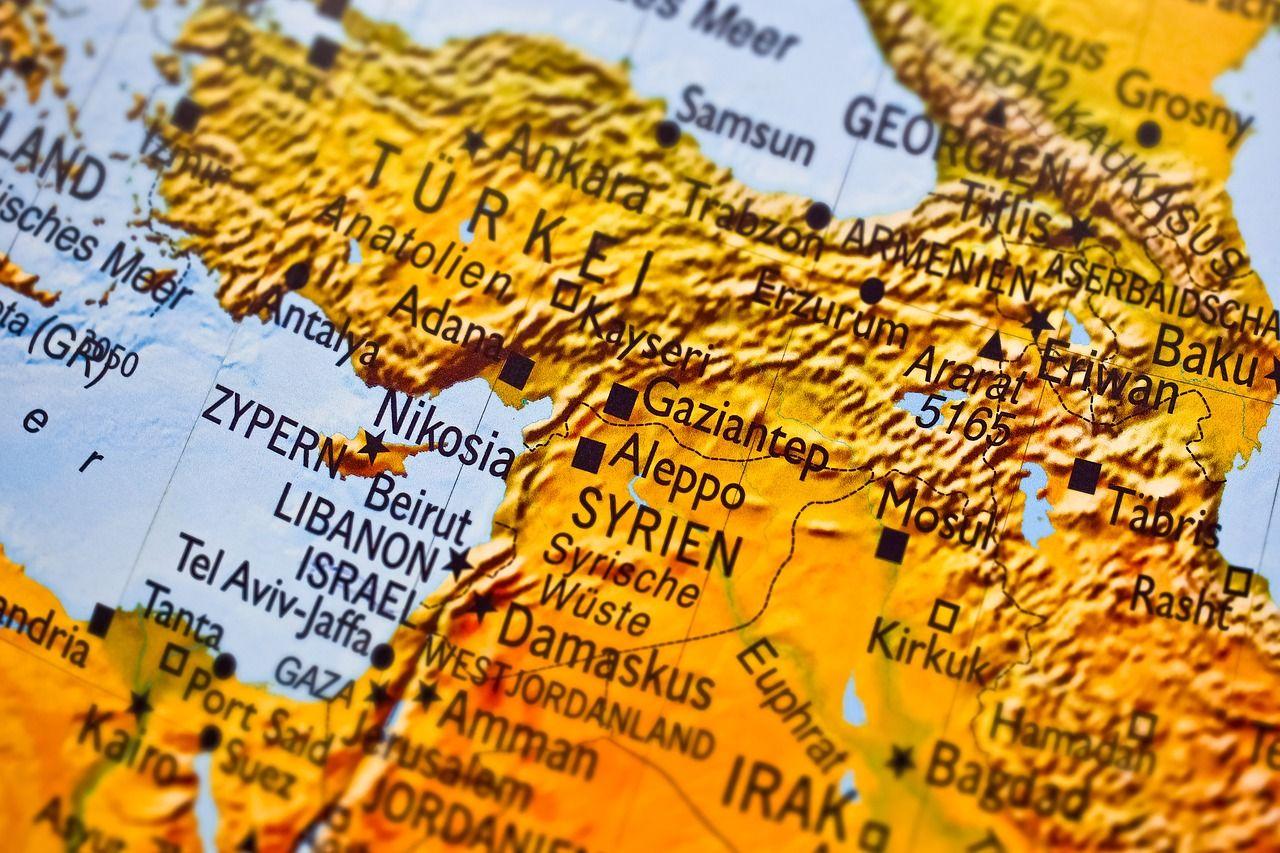 Dron mata a dos comandantes yihadistas en Siria