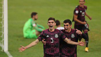 Johan Vásquez, celebra después de anotar el segundo gol del equipo de México en su partido ante Canadá en la semifinal del torneo preolímpico de fútbol de CONCACAF