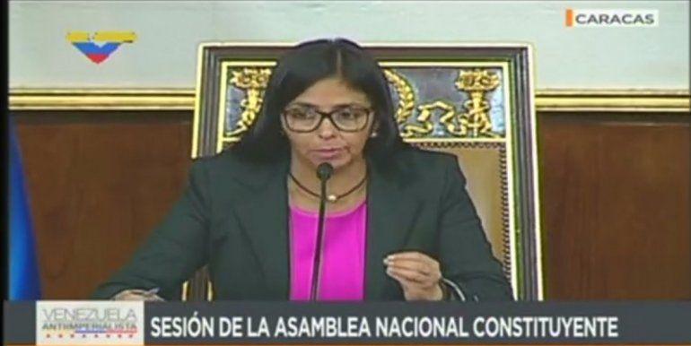 La funcionaria del régimen de Maduro cree que las redes sociales se han convertido en Venezuela en la plataforma más grotesca y brutal para atentar contra la integridad de nuestro pueblo.
