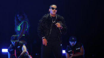 En esta fotografía de archivo del dos de noviembre de 2019 Daddy Yankee durante su presentación en iHeartRadio Fiesta Latina 2019. Daddy Yankee y Snow recibieron el premio Latin Billboard 2020 a la canción del año.