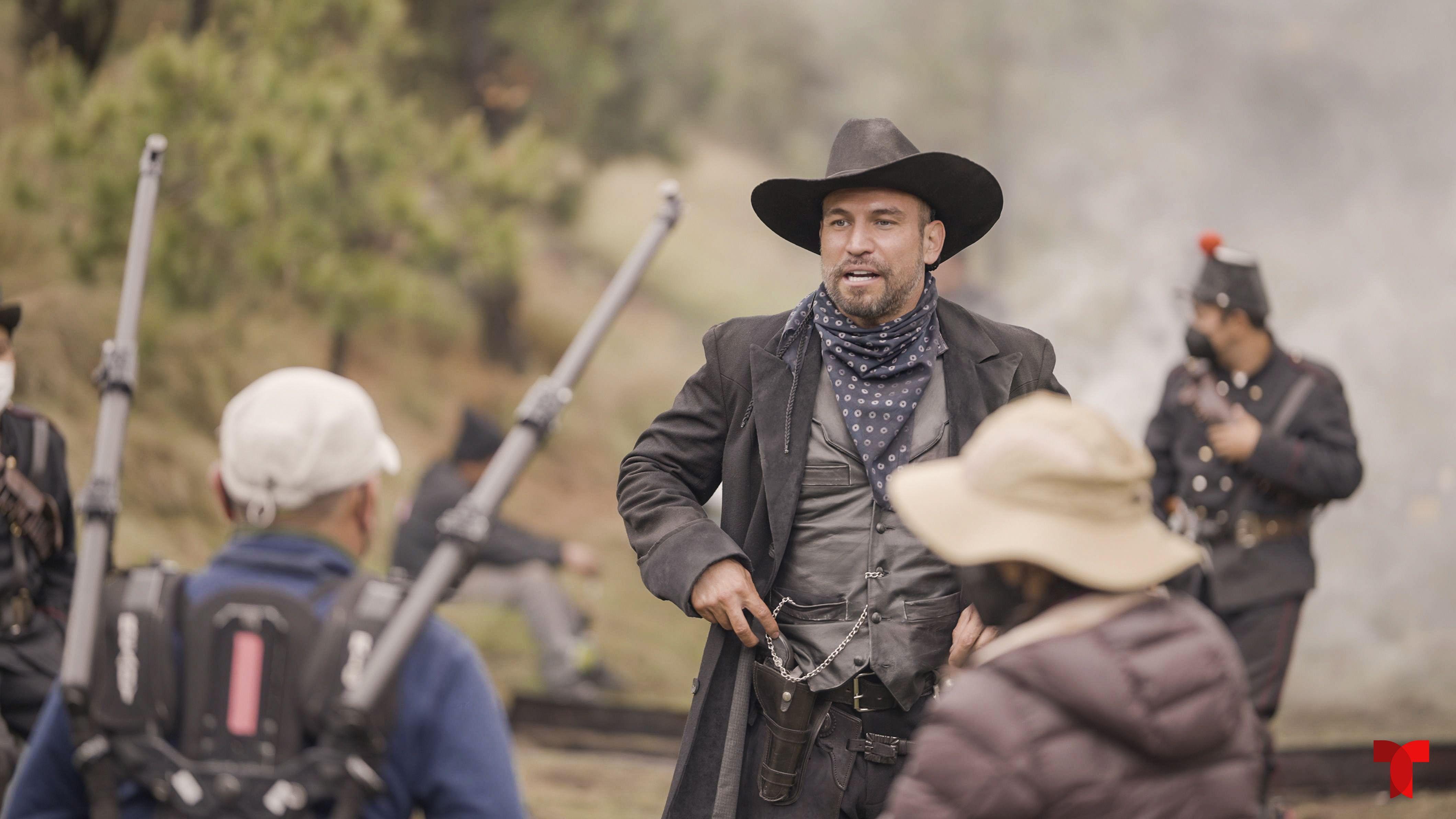 Rafael Amaya regresa a Telemundo con una participación especial en la serie de época Malverde: El santo patrón.