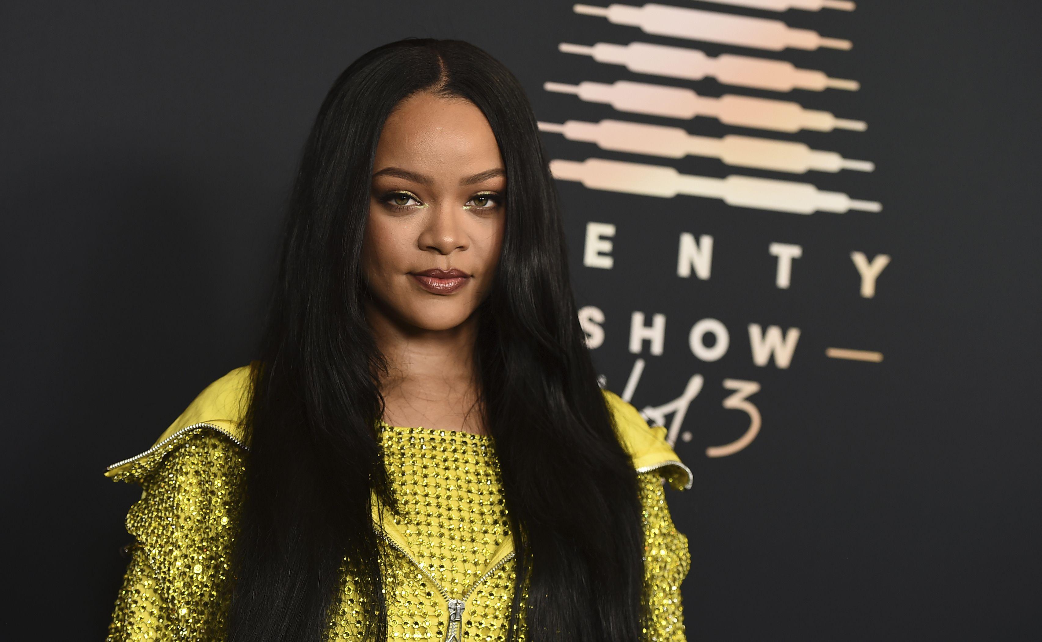 La cantante y empresaria Rihanna asiste a un evento para su línea de lencería Savage X Fenty en el hotel Westin Bonaventure, en Los Angeles, el 28 de agosto de 2021.