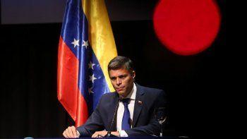 El líder opositor venezolano Leopoldo López pronuncia su primer mensaje tras su salida de Venezuela, en el Círculo de Bellas Artes, Madrid (España), 27 de octubre de 2020.