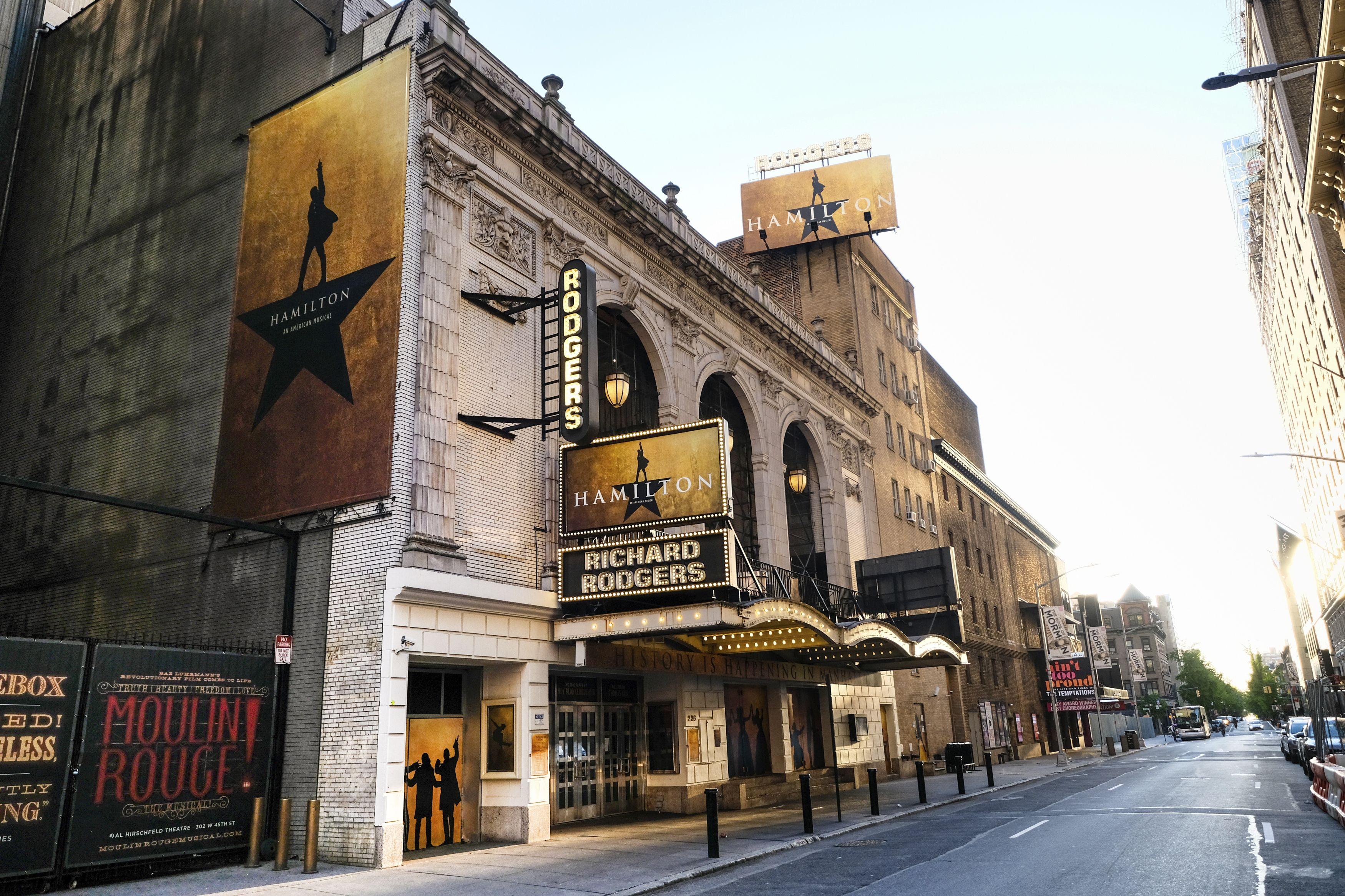 El Richard Rodgers, casa del musical Hamilton, el 13 de mayo de 2020 en Nueva New York. Los teatros de Broadway que presentan los musicales The Lion King, Hamilton y Wicked abren el martes 14 de septiembre de 2021.