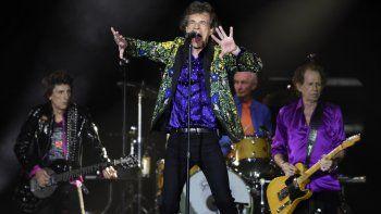 En esta foto del 22 de agosto de 2019, Mick Jagger, en el centro, y sus compañeros de The Rolling Stones Ron Wood, Charlie Watts y Keith Richards, de izquierda a derecha, durante un concierto de la banda en el Rose Bowl en Pasadena, California.