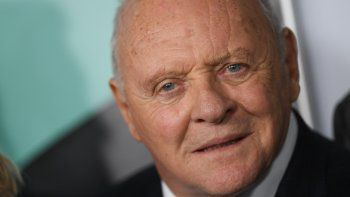 En esta foto de archivo, el actor galés Anthony Hopkins asiste a la proyección de gala del AFI FEST de The Two Popes en el TCL Chinese Theatre el 18 de noviembre de 2019 en Hollywood.