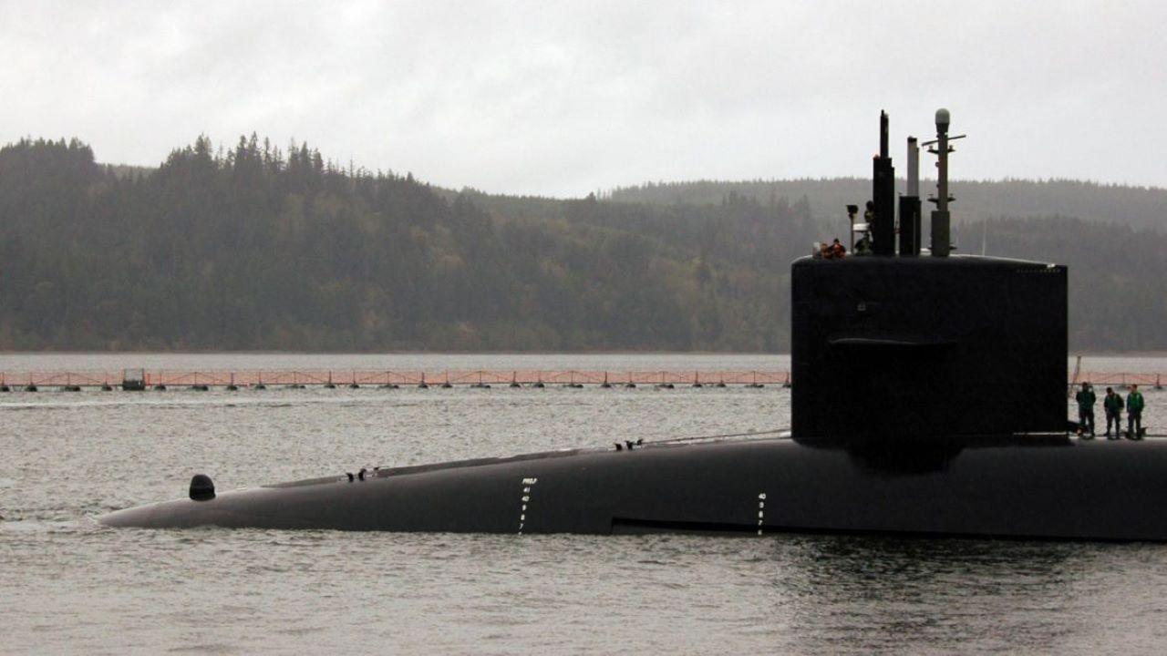 Vista del submarino nuclear USS.