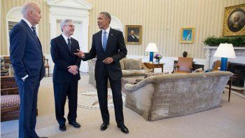 El presidente Barack Obama con Merrick Garland (centro) y el vicepresidente Joe Biden, quien fue propuesto para el Tribunal Supremo. Pero fue rechazada por los republicanos.
