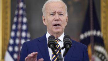 Fotografía de archivo del 18 de junio de 2021 del presidente Joe Biden hablando sobre la campaña de vacunación contra el COVID-19, en la Casa Blanca en Washington.