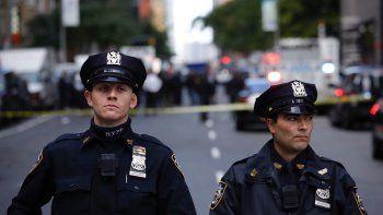 Las autoridades neoyorquinas están evacuando el edificio Time Warner en Estados Unidos, sede de laCNN, por el hallazgo de un paquete sospechoso y la Policía local ha pedido no acercarse a la zona de Columbus Circle.