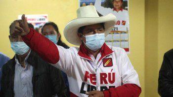 El candidato presidencial del partido Perú Libre, Pedro Castillo, habla durante una conferencia en Chota, Perú, el miércoles 14 de abril de 2021. Castillo, un maestro rural, se enfrentará a la candidata Keiko Fujimori en la segunda vuelta de las elecciones presidenciales del 6 de junio.