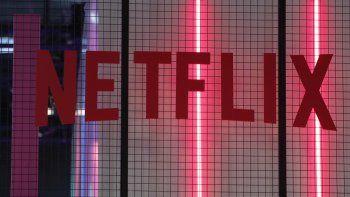 En esta fotografía de archivo del cuatro de noviembre de 2017, el logotipo de la empresa estadounidense Netflix en la semana de videojuegos de París en París.