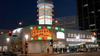 Amoeba ya estaba planeando trasladar su tienda de Sunset Boulevard (Hollywood) después de que el edificio fuera vendido a un nuevo propietario en 2015.