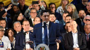 Carlos Vecchio, embajador designado por Guaidó ante el gobierno de los Estados Unidos, envió un mensaje cargado de esperanza para los venezolanos que añoran volver a su hogar.