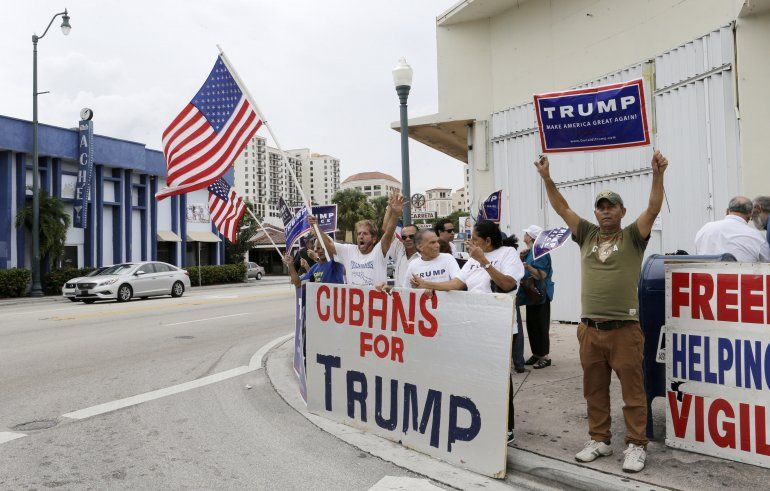 Cubanos de Miami respaldan a Trump y apoyan ayudas a la isla