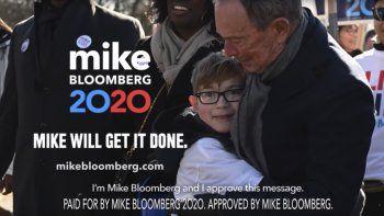 En esta imagen sin fecha proporcionada por la campaña de Michael Bloomberg se muestra una escena del anuncio del precandidato demócrata a la presidencia que se transmitirá durante el Super Bowl.