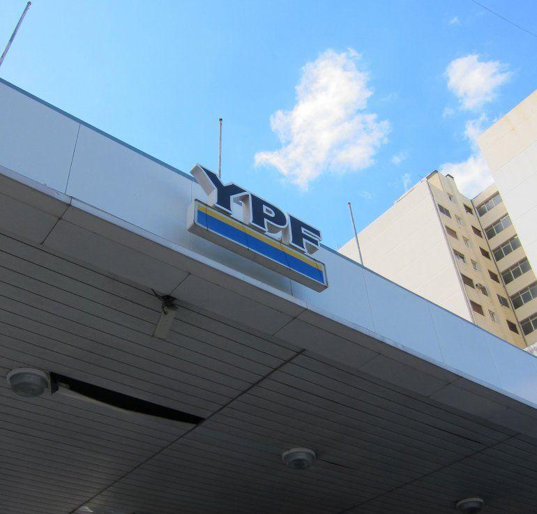 Los fondos Burford y Eton Park solicitaron a la juez que ordene a la compañía y a Argentina a abonarles entre 1.700 y 900 millones de dólares por daños económicos