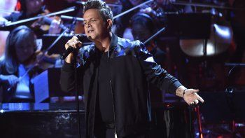 Alejandro Sanz actúaen la ceremonia de entrega de los Latin Grammy, en Las Vegas, en 2017, edición en la que el cantautor español recibió el premio Persona del Año.