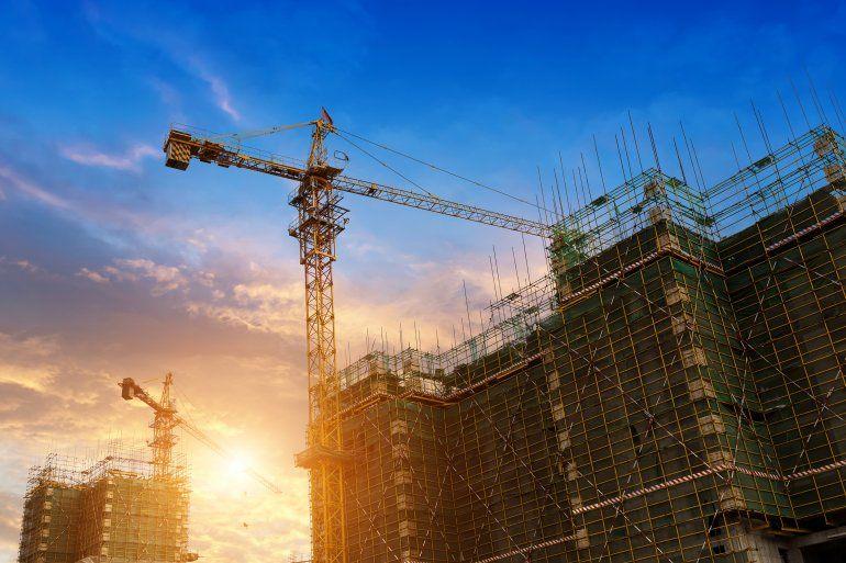 Una reciente encuesta a contratistas reveló que más de la mitad de las constructoras estadounidenses entrevistadas detuvieron o suspendieron proyectos.