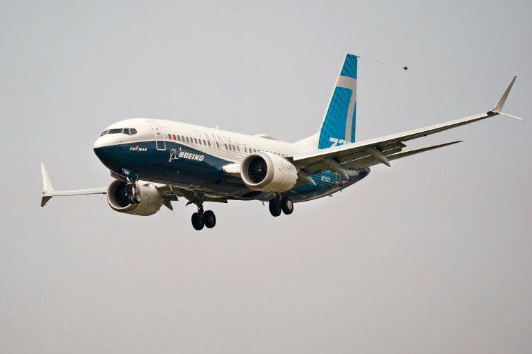 Un Boeing 737 Max piloteado por el jefe de la Administración Federal de Aviación