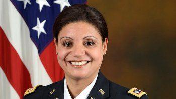La teniente coronel del Ejército de Estados Unidos, Marisol Chalas, es ayudante de cátedra para el Ejército en el Congreso de los Estados Unidos y estudia Asuntos Legislativos en Washington.