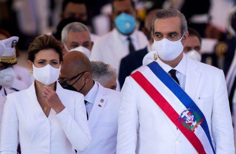 El presidente dominicano Luis Abinader y la vicepresidenta Raquel Peña
