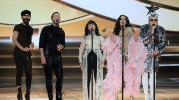Los exconcursantes deEurovisionConchita Wurst, Mans Zelmerlow, Gali Atari, Eleni Foureira y Verka Serduchka participan en el ensayo de su actuación en la final de la 64 edición del Festival de Eurovisión.