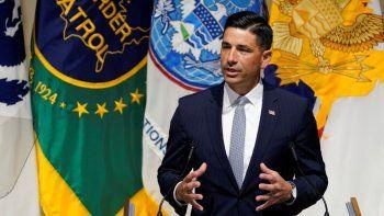 El secretario interino de Seguridad Nacional, Chad Wolf, habla durante un evento en la sede de la dependencia en Washington, el miércoles 9 de septiembre de 2020.
