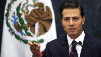 El exjefe de Pemex Emilio Loyoza acusó al expresidente Enrique Peña Nieto y a su secretario de Hacienda de dirigir un esquema de sobornos y malversación directamente desde la oficina del presidente.