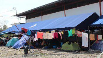 Fotografía de archivo fechada en abril de 2016 de un albergue habilitado en la localidad de Paso Canoas para acoger a migrantes cubanos varados en territorio panameño en su tránsito hacia EEUU.