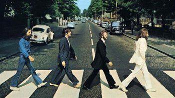 Una vez terminada la grabación de Abbey Road, en dicha cinta se escucha a John Lennon, Paul McCartney y George Harrison en un encuentro que tuvo lugar en el cuarter general de Apple HQ, en Savile Row, Londres.