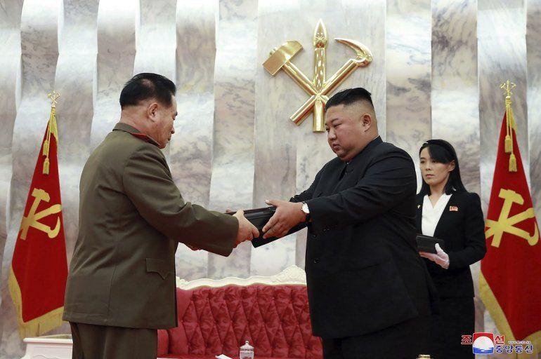 En esta imagen del domingo 26 de julio de 2020 proporcionada por el gobierno norcoreano