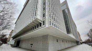 En esta foto de archivo tomada el 12 de febrero de 2021, la sede del Banco Mundial en Washington, DC. El Banco Mundial rechazó una solicitud de El Salvador de asistencia en su intento de adoptar bitcoin como moneda, dijo un portavoz del prestamista de desarrollo con sede en Washington el 17 de junio de 2021.