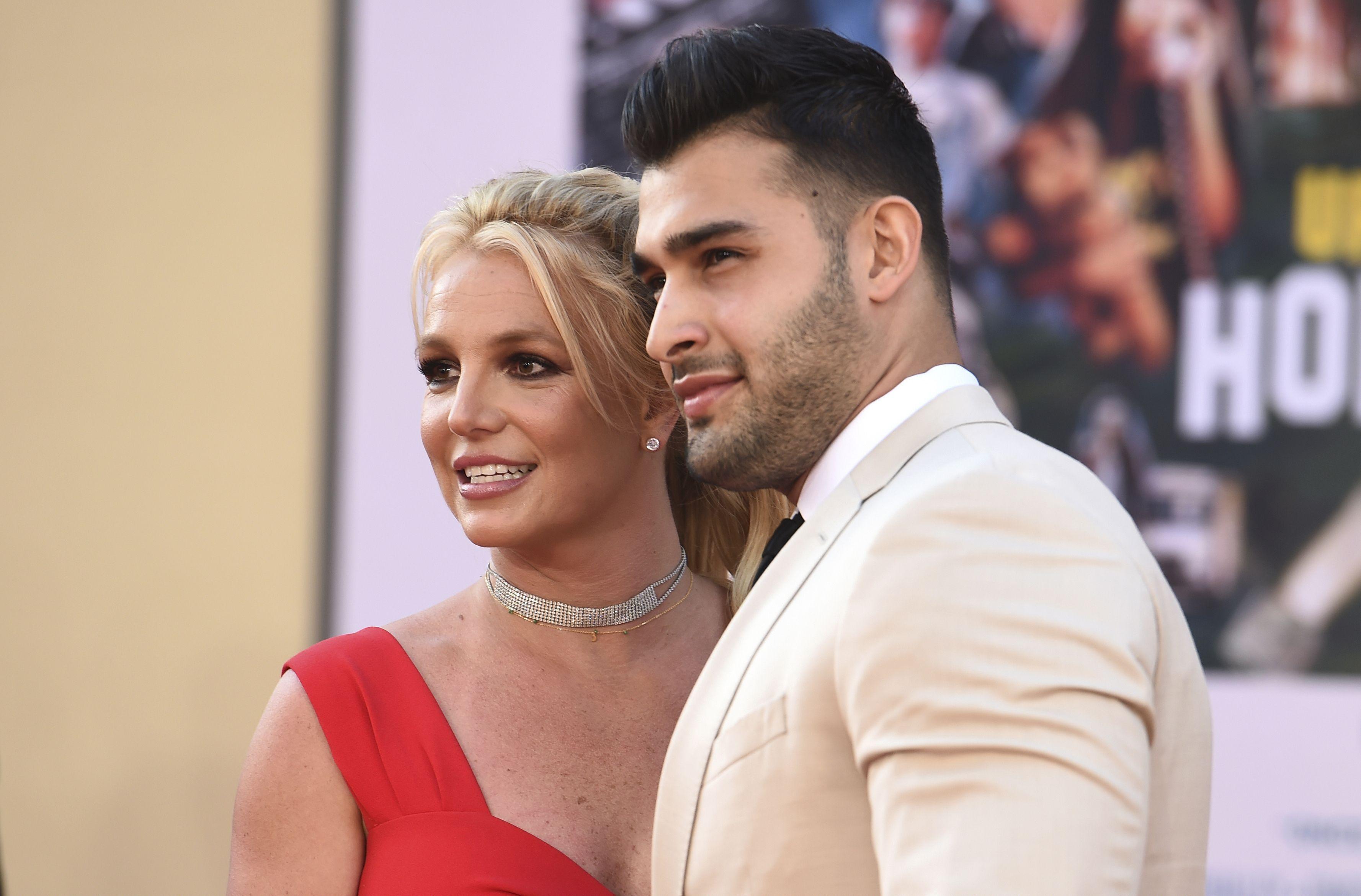 Britney Spears y Sam Asghari llegan al estreno de Once Upon a Time in Hollywood en el Teatro Chino de TCL en Los Angeles el lunes 22 de julio de 2019.