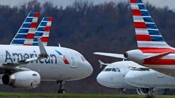 American Airlines comenzará a reservar vuelos a plena capacidad a partir del miércoles, 1 de julio. Eso contrasta marcadamente con sus rivales, incluyendo Delta, que limitan las reservaciones para crear espacio entre los pasajeros